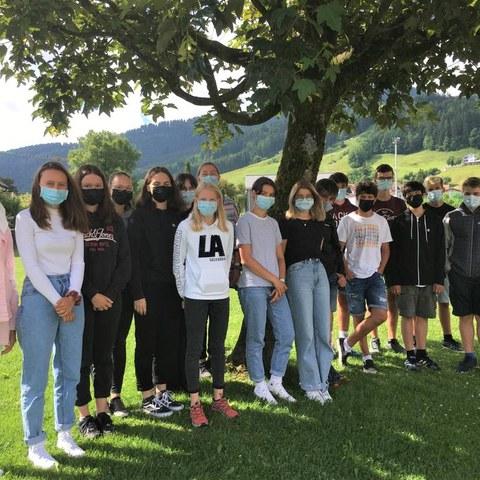 Bild 1 - 2. Sekundarklasse, Klasse 2a von Migg Hehli, Schulhaus Hofwies 2. Vergrösserte Ansicht