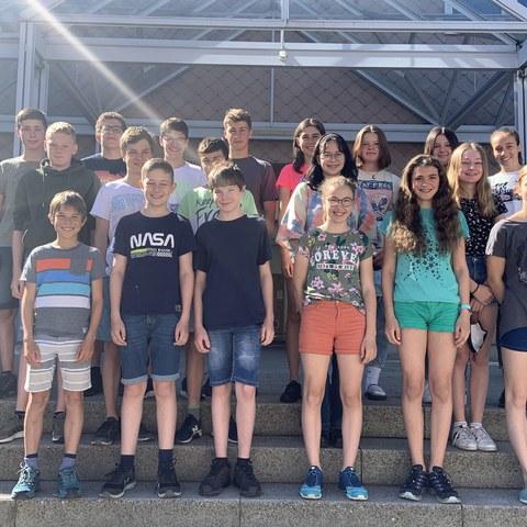 Bild 3 - 1. Sekundarklasse von Nina Lugger, Schulhaus Hofwies 2. Vergrösserte Ansicht