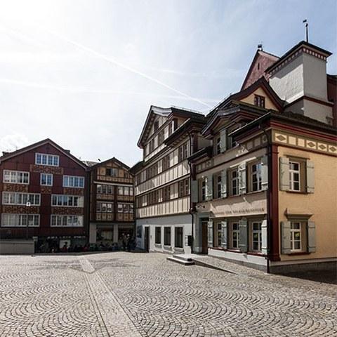Bibliotheksgebäude. Vergrösserte Ansicht