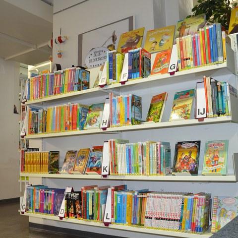 Kinderbücher. Vergrösserte Ansicht